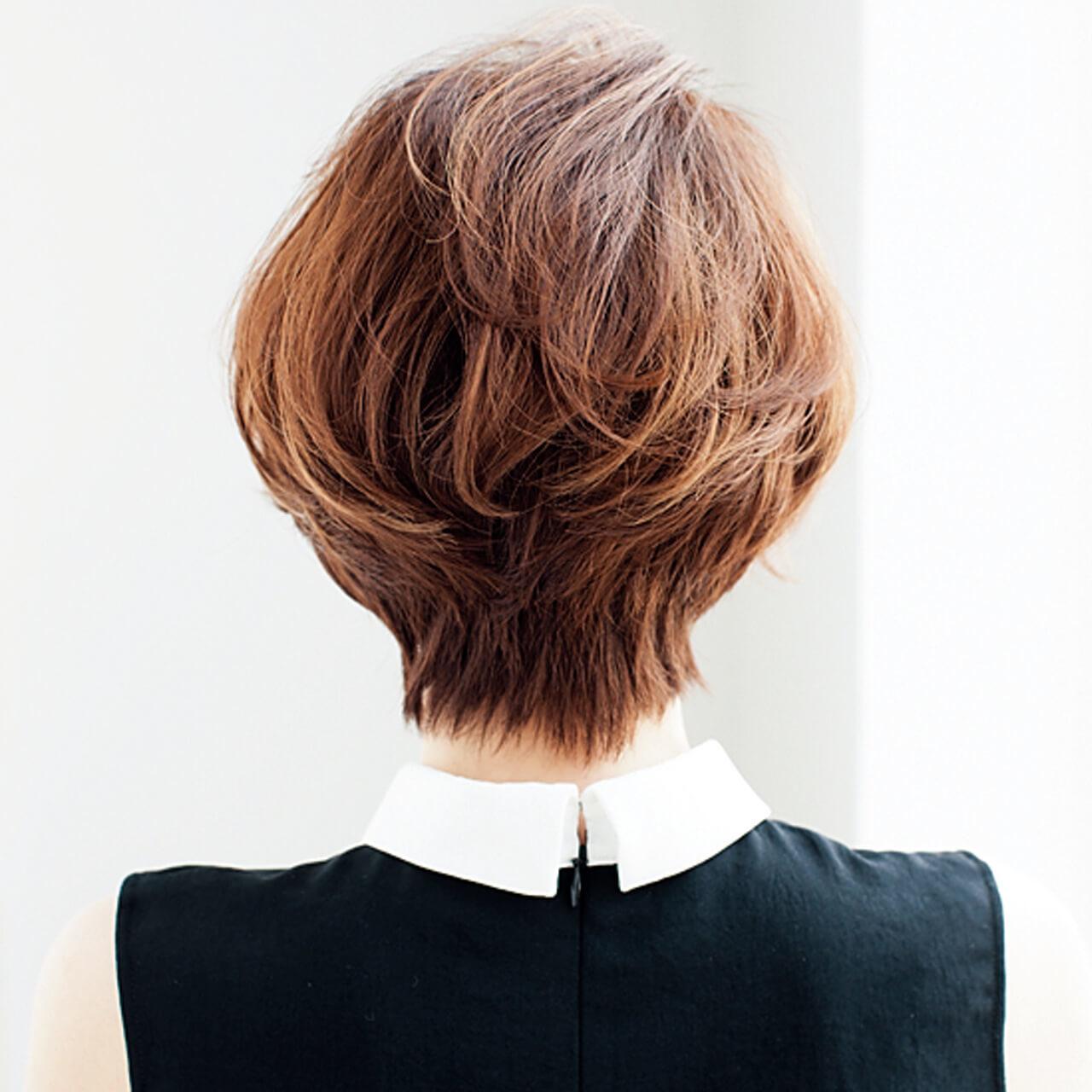 スタイルよく見えるひし形ショート。毛束感とカラーリング軽やかに【40代のショートヘア】_1_3