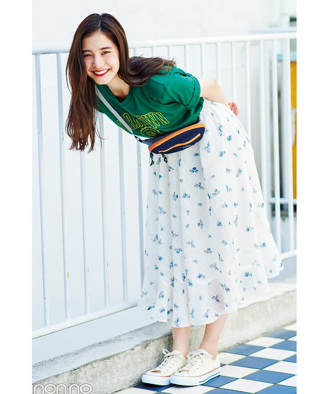 【夏のロングスカートコーデ】新木優子の、フェミスカートでギャップを狙うスポカジコーデ♡
