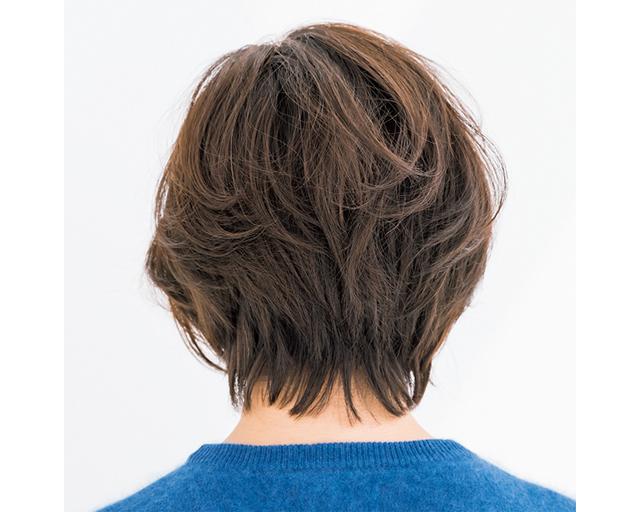 ボリュームアップショートヘアのバック