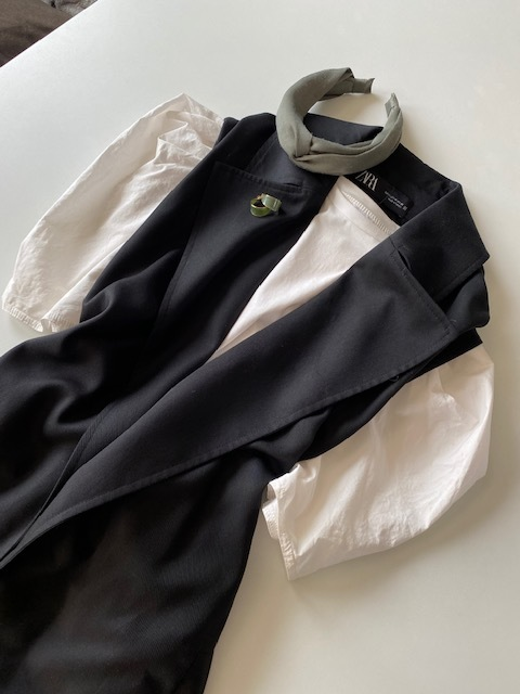 最近買った一押しZARA① 襟付きロングベスト&パフスリーブ白Tシャツ_1_1