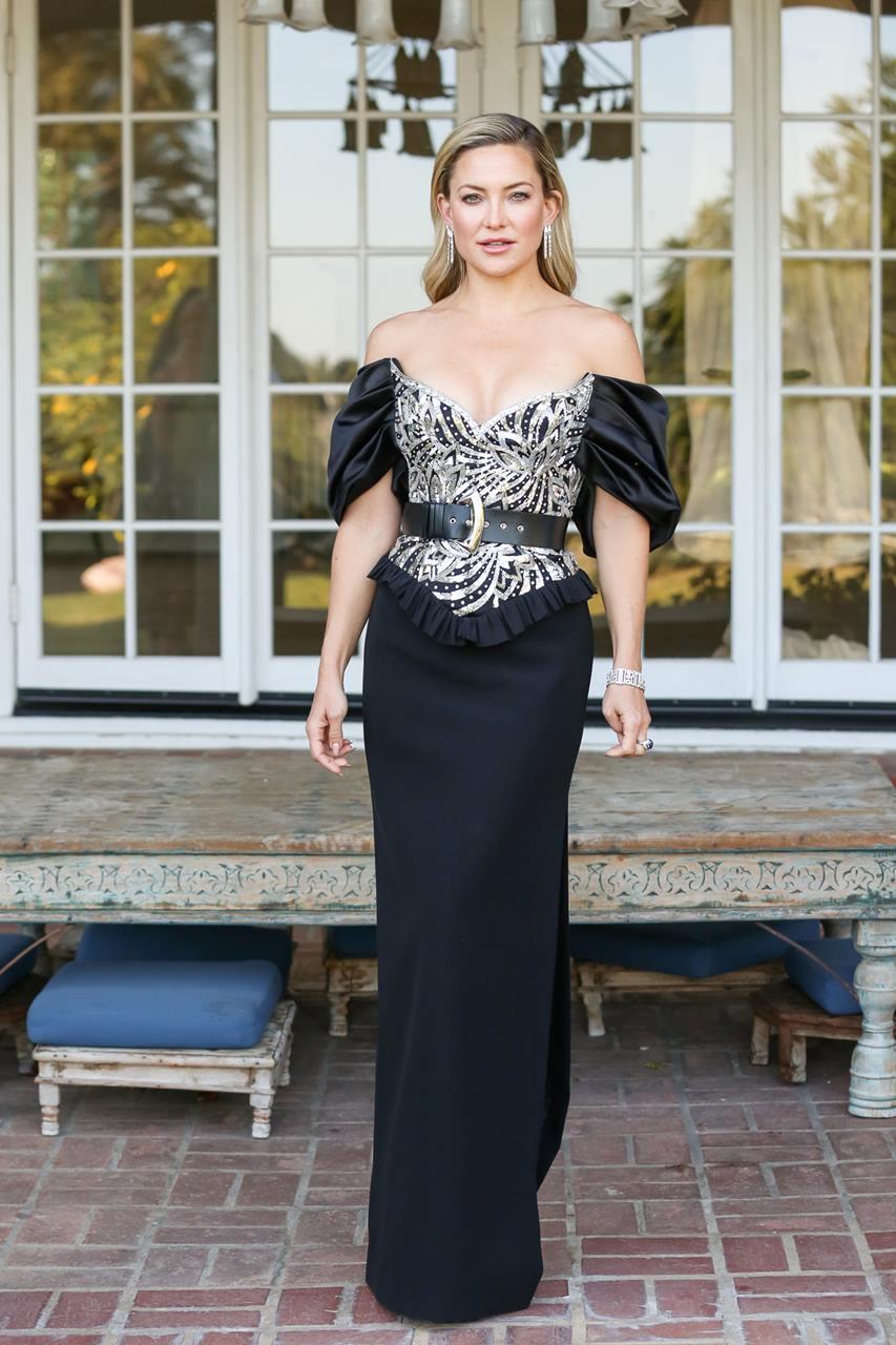 第78回ゴールデングローブ賞 ケイト・ハドソンのドレス