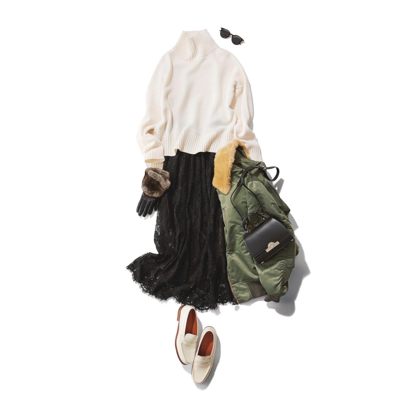 白いローファー×白ニット×レーススカートコーデ