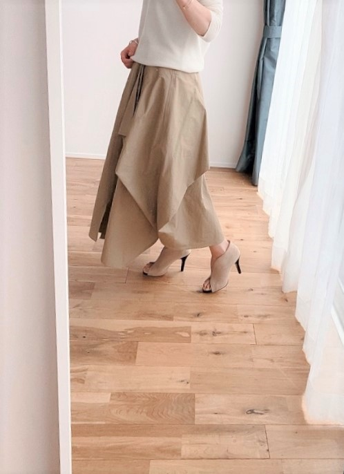 オールシーズン使えるデザイン性の高いスカート_1_2