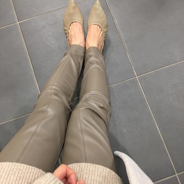 【エコレザー】のスカート&パンツで、冬コーデの鮮度がアップ! 40代ファッションまとめ_1_9
