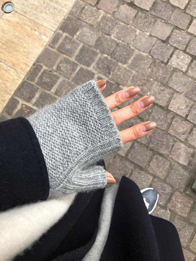 三尋木さんの指ナシ手袋コーデ