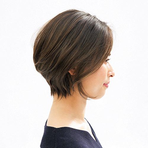 髪が伸びても目立ちにくい!気になる白髪をハイライト&ローライトでなじませて【40代のショートヘア】_1_2