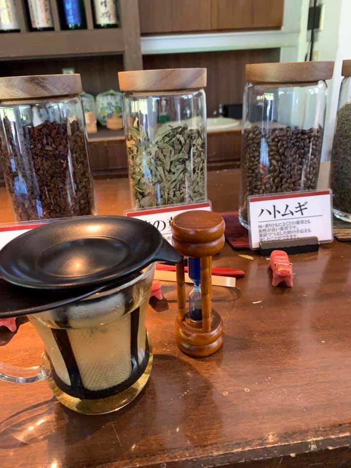 茶葉を選んで葉を細かくして。自分だけのオリジナル茶が作れるって 楽しい!_1_1