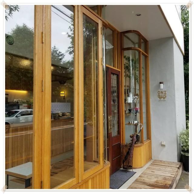 閑静な住宅街に素敵カフェオープンしました♪_1_2