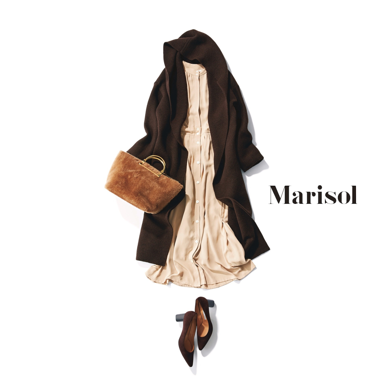 40代ファッション ベージュワンピース×フード付きロングカーディガンコーデ