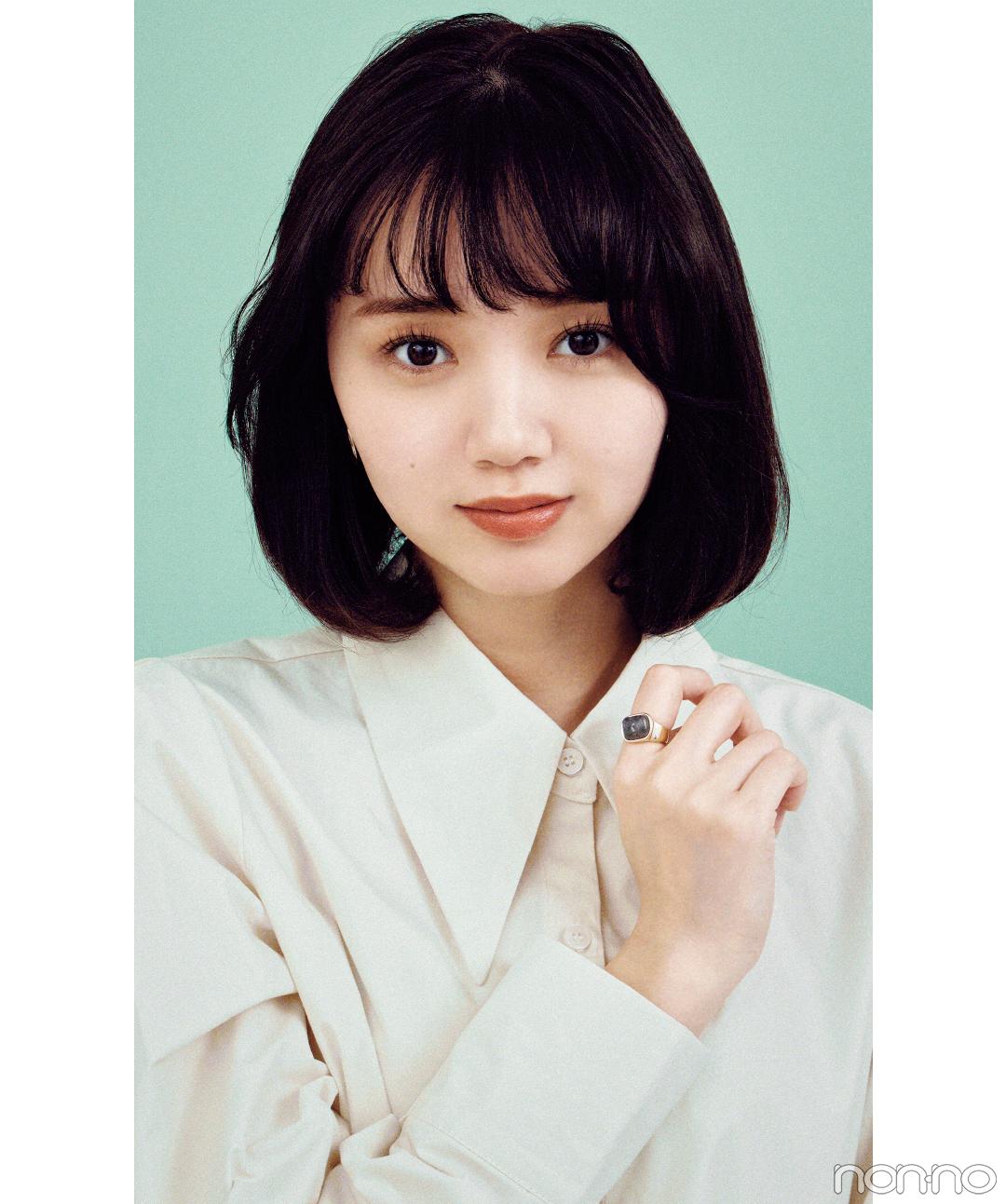 ストレートアイロンでサイドは非対称のアシメ内巻きヘアアレンジの江野沢愛美