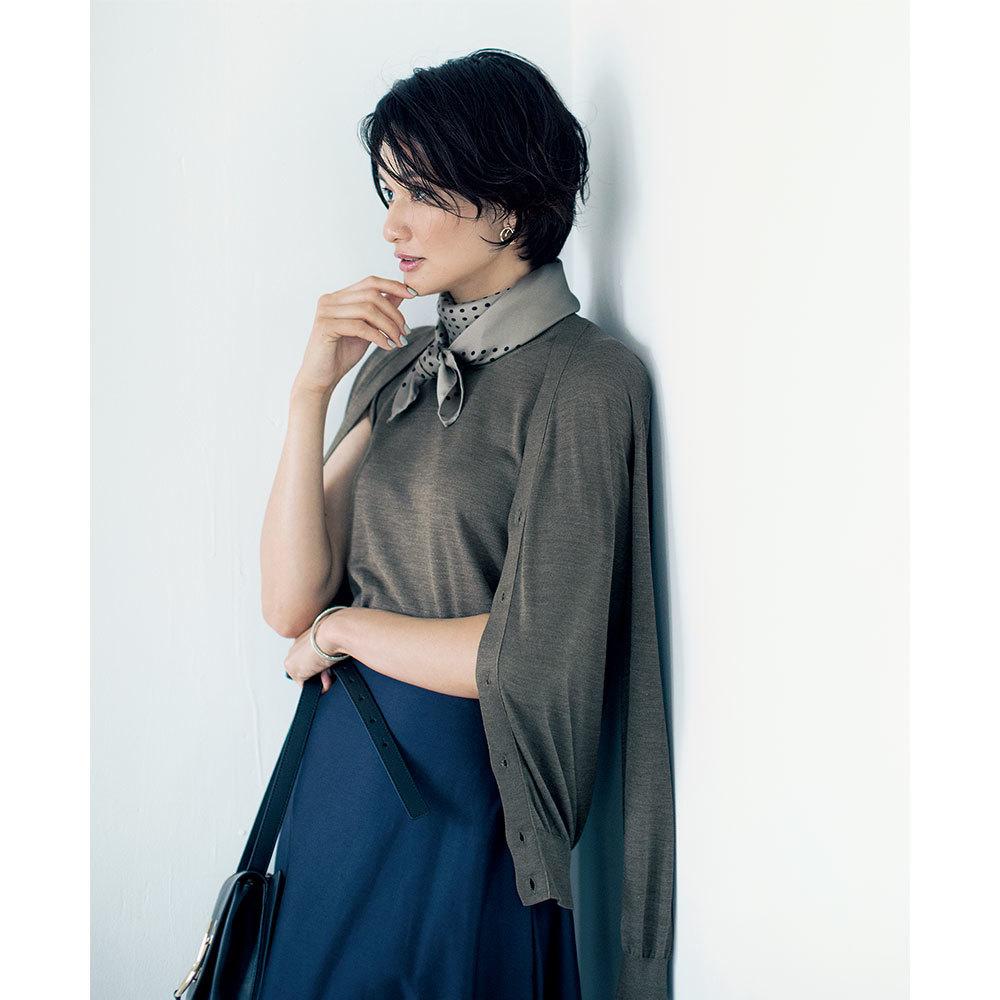 ファッション シルクカーディガン×スカートコーデ