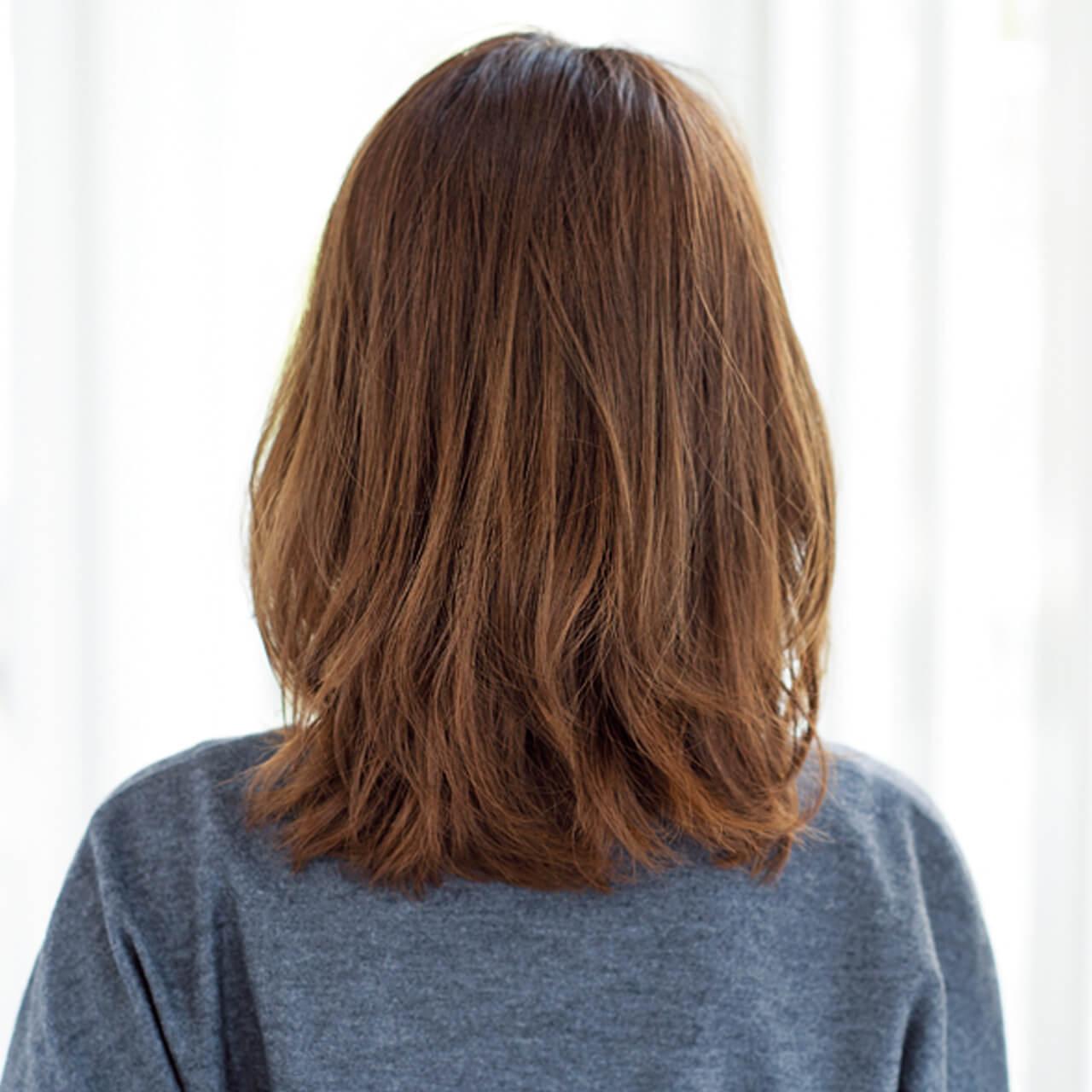 ふんわりトップを作る比率は6:4!成熟した大人のミディアムヘア【40代のミディアムヘア】_1_3