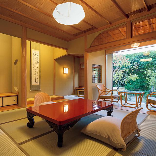 客室は数寄屋造で和洋室と次の間つきのものが多い。