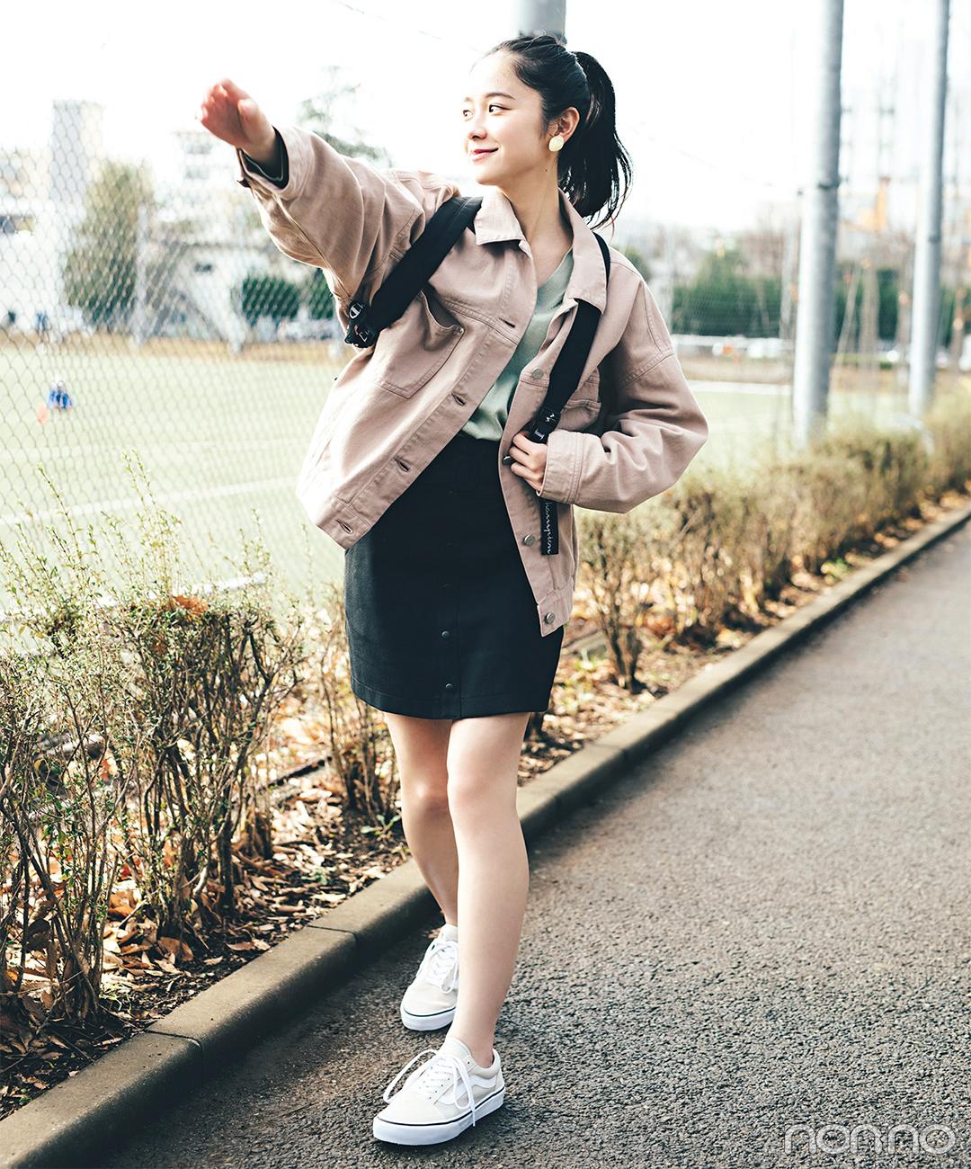 ジャケット&黒のミニスカをスポーティにアレンジ【毎日コーデ】