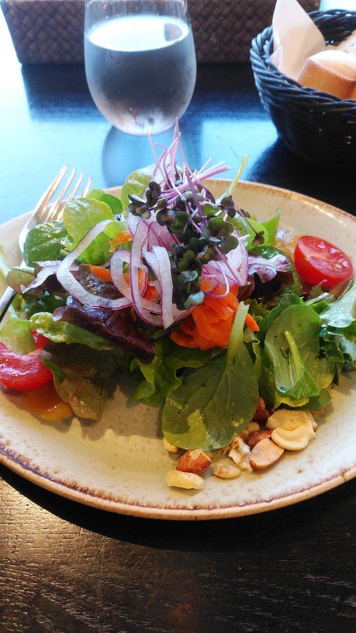 新鮮野菜のパレットサラダ