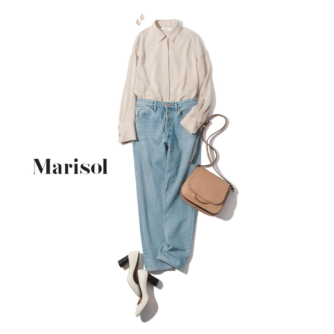 40代ファッション 淡色シャツ×淡色デニムパンツコーデ
