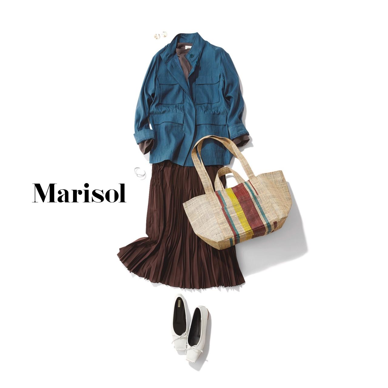 40代ファッション ネイビージャケット×プリーツスカートコーデ