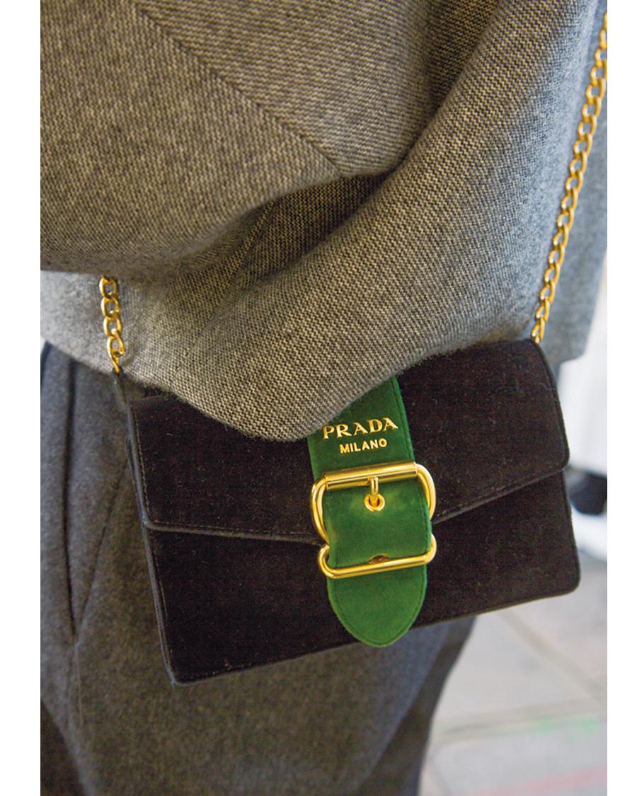 存在感のある 「ミニバッグ」を味方に【ファッションSNAP ミラノ・パリ編】_1_1-4