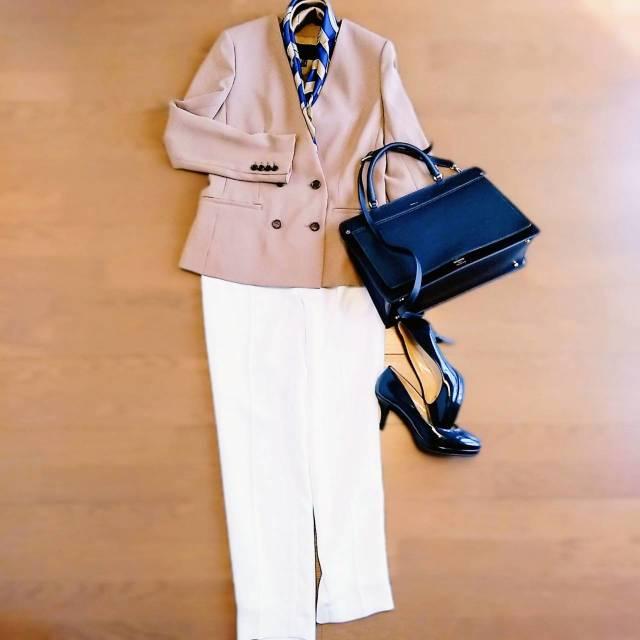 Jacket:ICB  Pants:BEIGE  Bag:FURLA  Shoes:モードエジャコモ