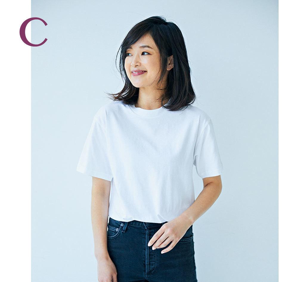 二の腕が気になる色白スタイリスト吉村友希さんが選ぶ4つのTシャツ_1_6