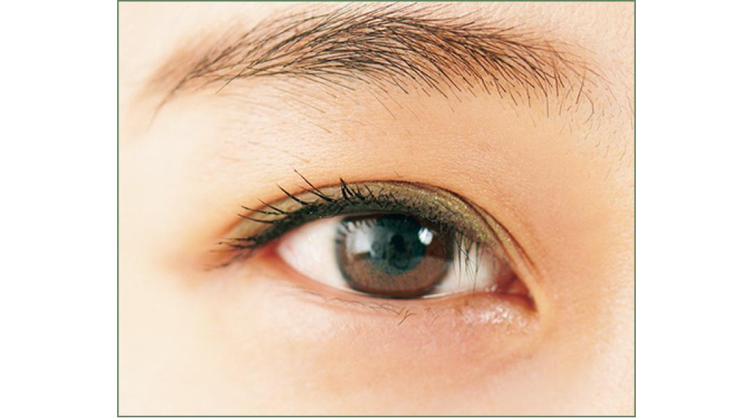 左右の目の形が非対称さんが「モデル目力」メイクで変身【私たちの「新しい目力」大検証】_1_5