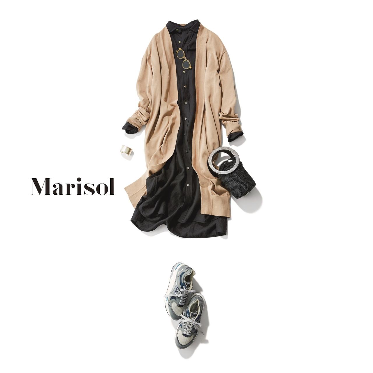 40代ファッション ベージュロングカーディガン×シャツワンピースコーデ