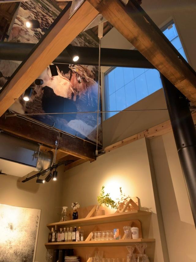 兜町のコーヒースタンドSR。ストックホルムの繊細なコーヒーと音楽やアートも感じる素敵な空間。_1_1