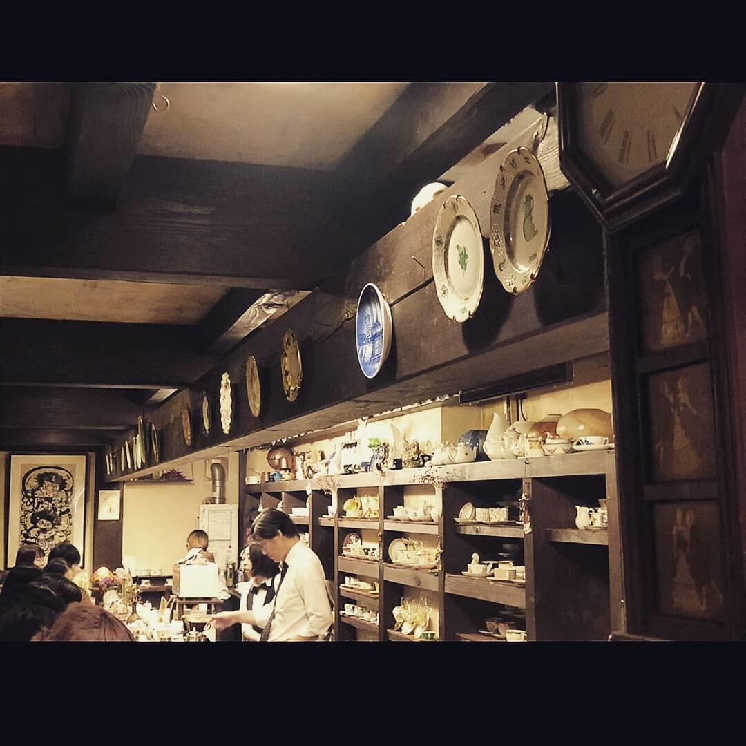プリント柄ワンピースで、渋谷純喫茶☕_1_6-1