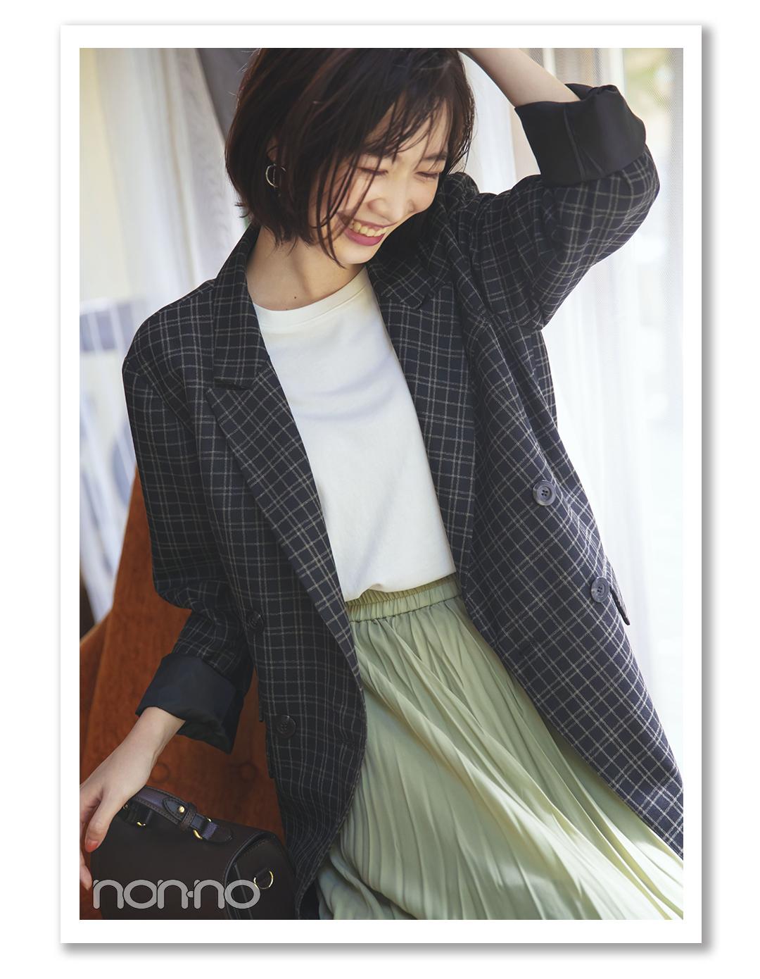 POINT2  落ち着いた色のジャケットで 大人っぽさを印象づけて  岡本夏美
