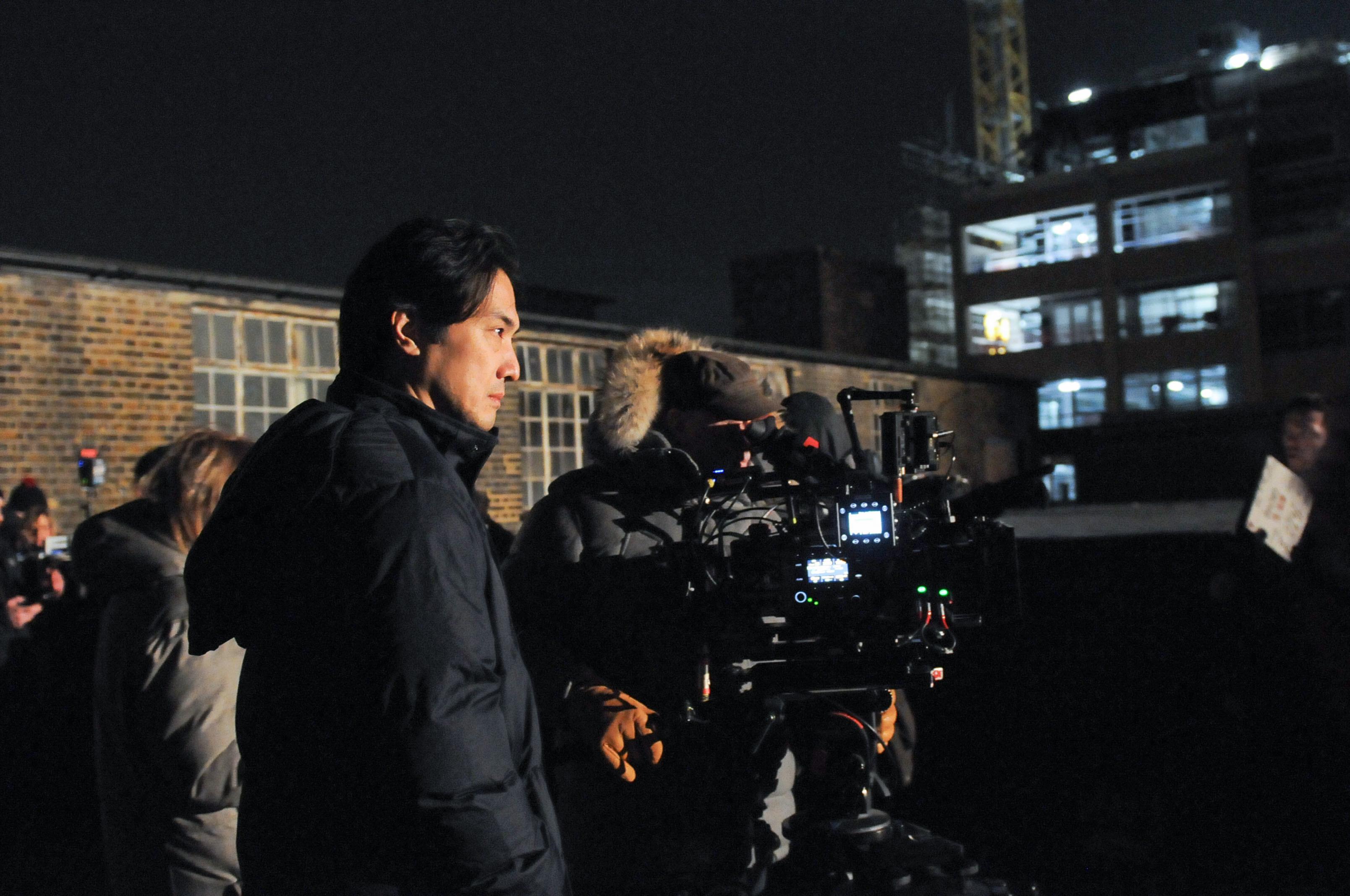 ハマること必至の英国ドラマ「Giri/Haji」。平岳大さん、厳寒ロンドンでの撮影は……。_1_4