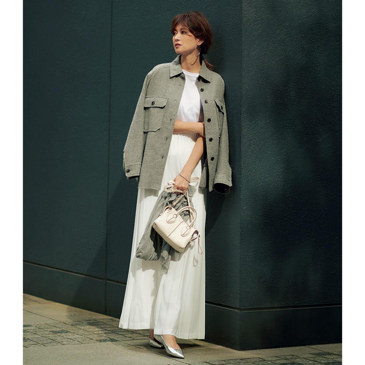 白フレアスカート×CPOジャケット