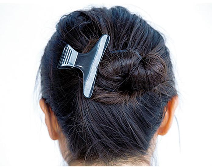抜け感ウェーブをつくるヘアアレンジ術2