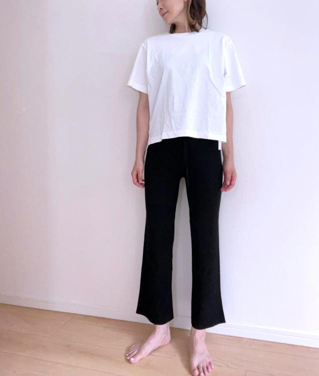 定番の黒パンツを極める!今っぽく、おしゃれで、美脚見えする黒パンツコーデまとめ|40代ファッション_1_33