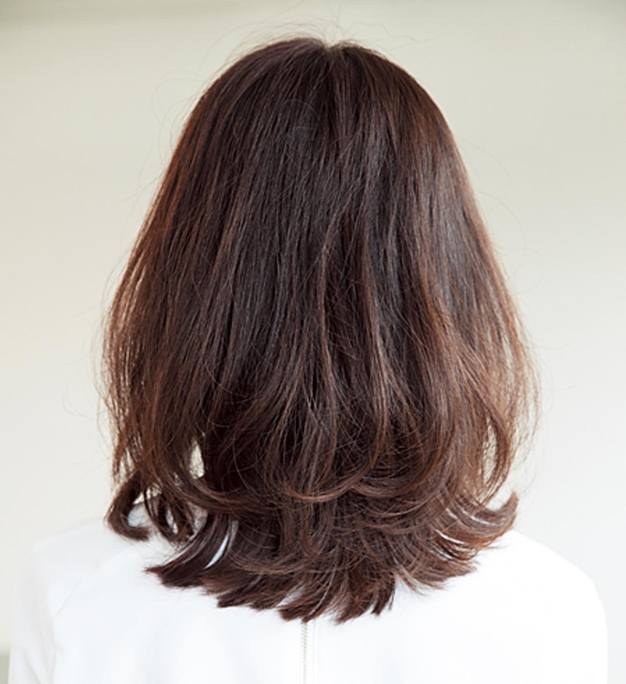 若見え効果抜群!丸みのある前髪で表情まで柔らかに【40代のミディアムヘア】_1_3