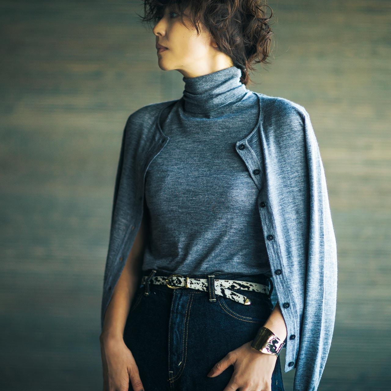 ファッション タートルニット×デニムパンツコーデ