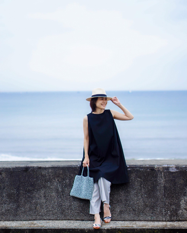 リトルブラックドレスをカジュアルに着まわし♪_1_2
