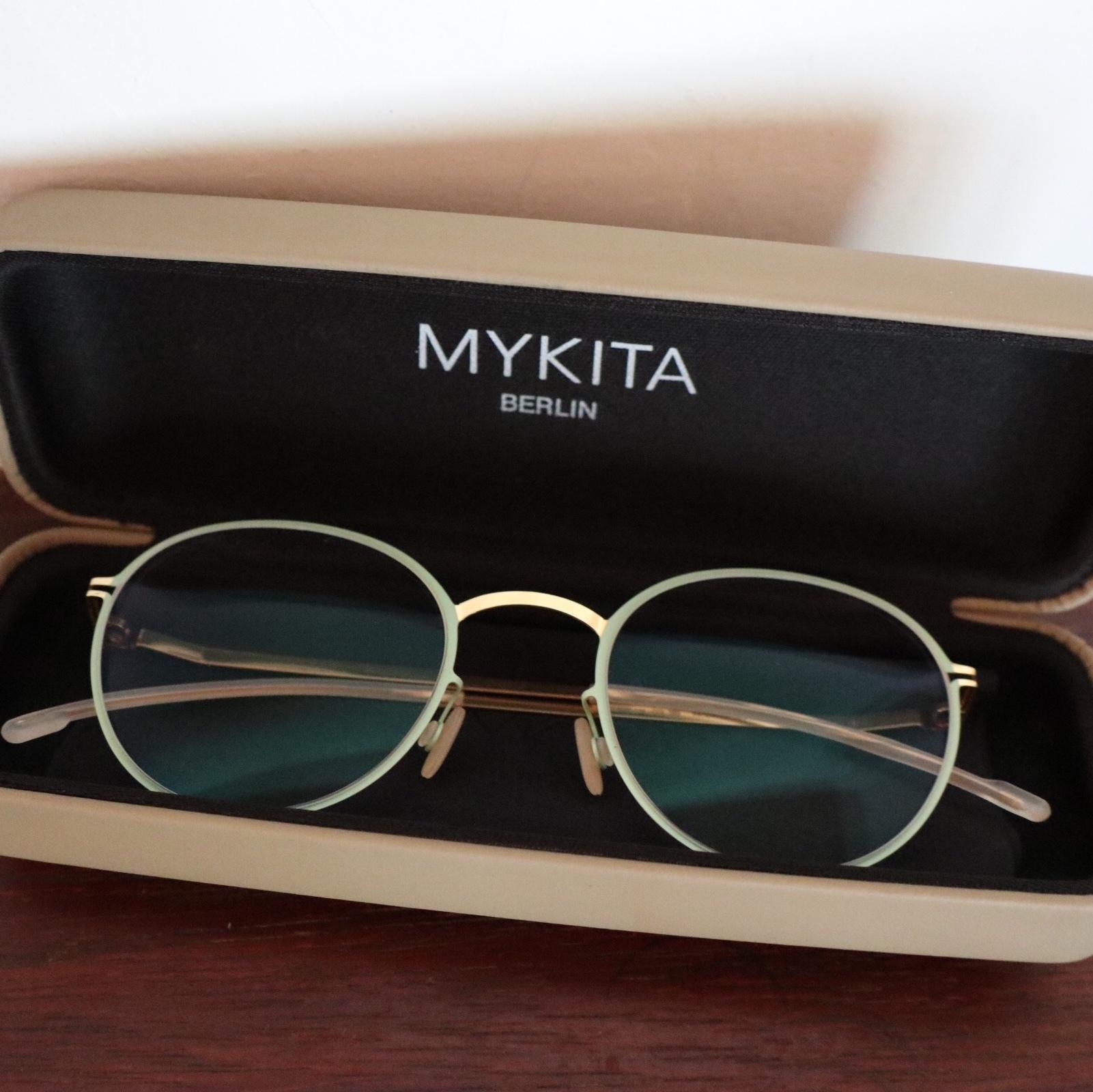スペシャルなメガネを求めて_1_8