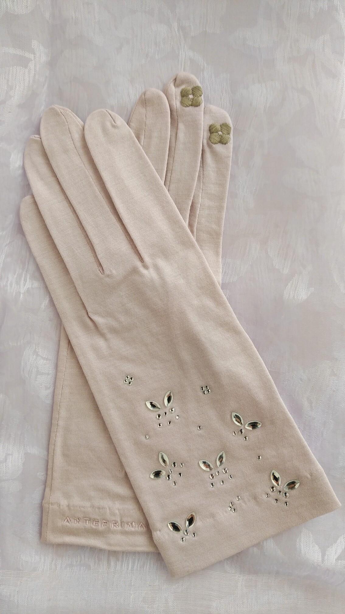 桜ピンクの手袋