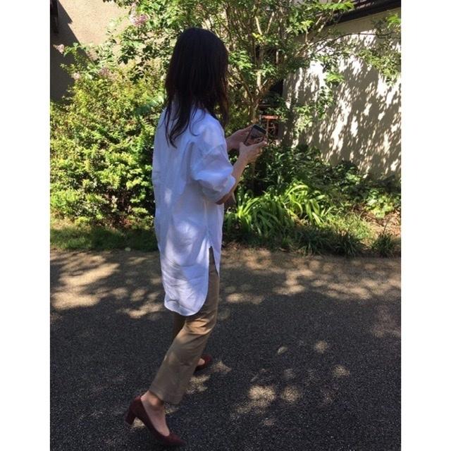 爽やかな秋晴れの日に、白シャツが気持ちいい♩美女とのブランチコーデ。_1_2