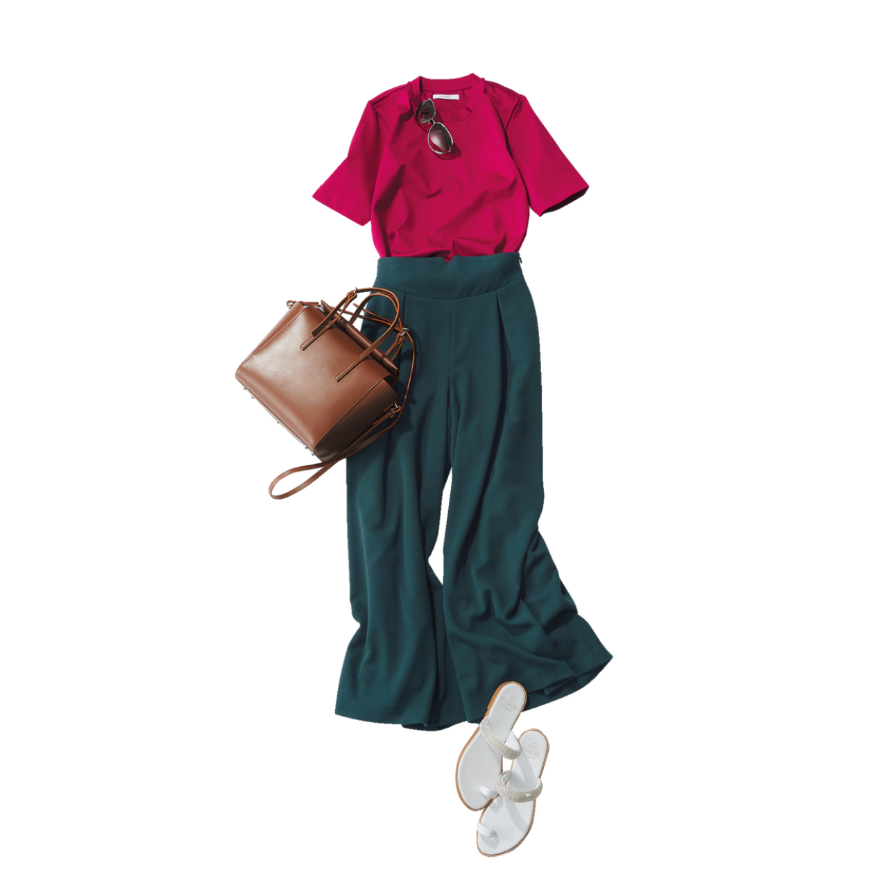 Tシャツ×グリーンのワイドパンツコーデ