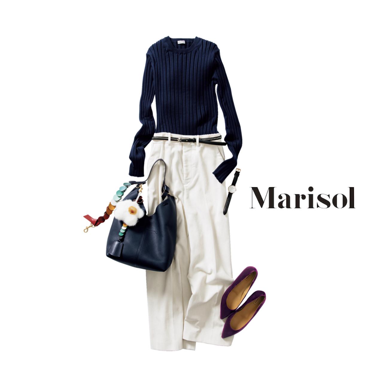 シンプルな白×紺コーデ 旬バッグ