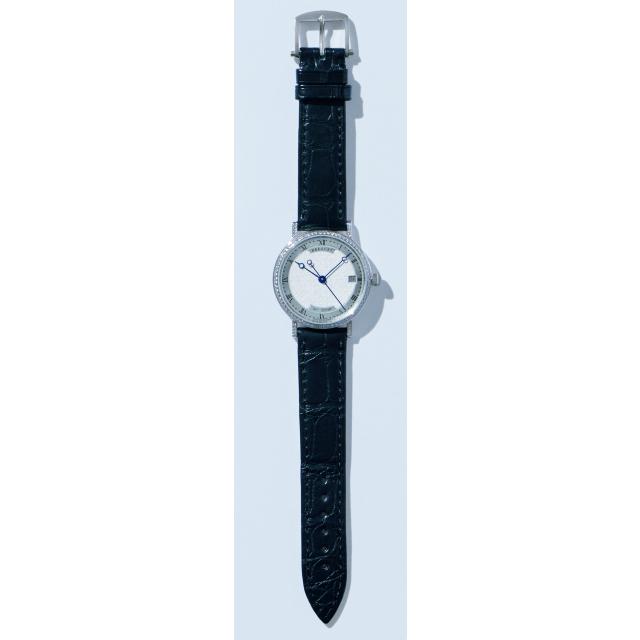 崇高な輝きを放つ、選ばれし女性のための機械式時計