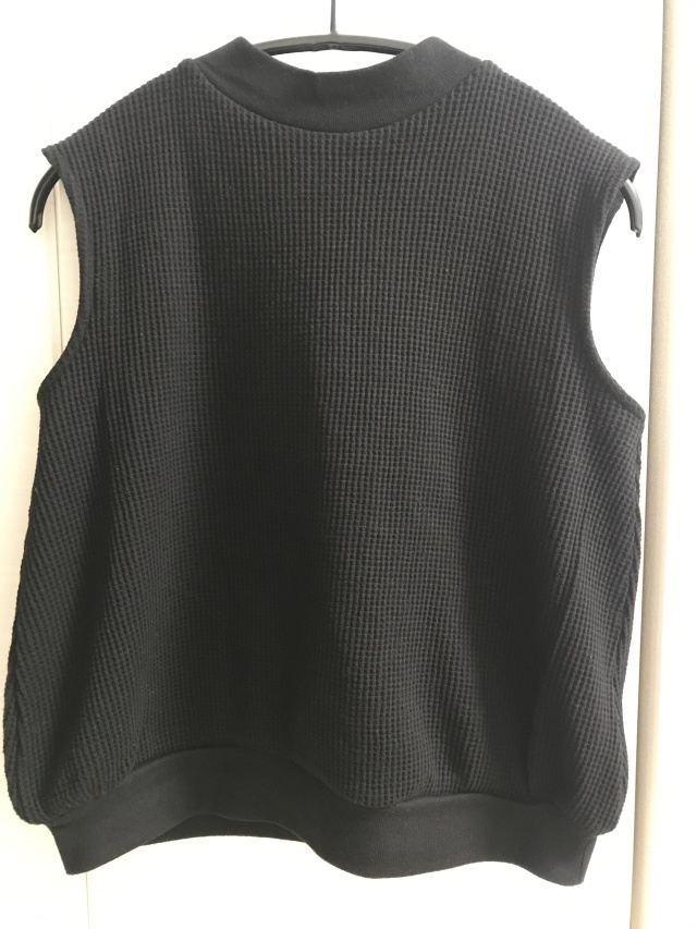 インしなくてもすっきり細見えする「ノースリーブTシャツ」_1_3