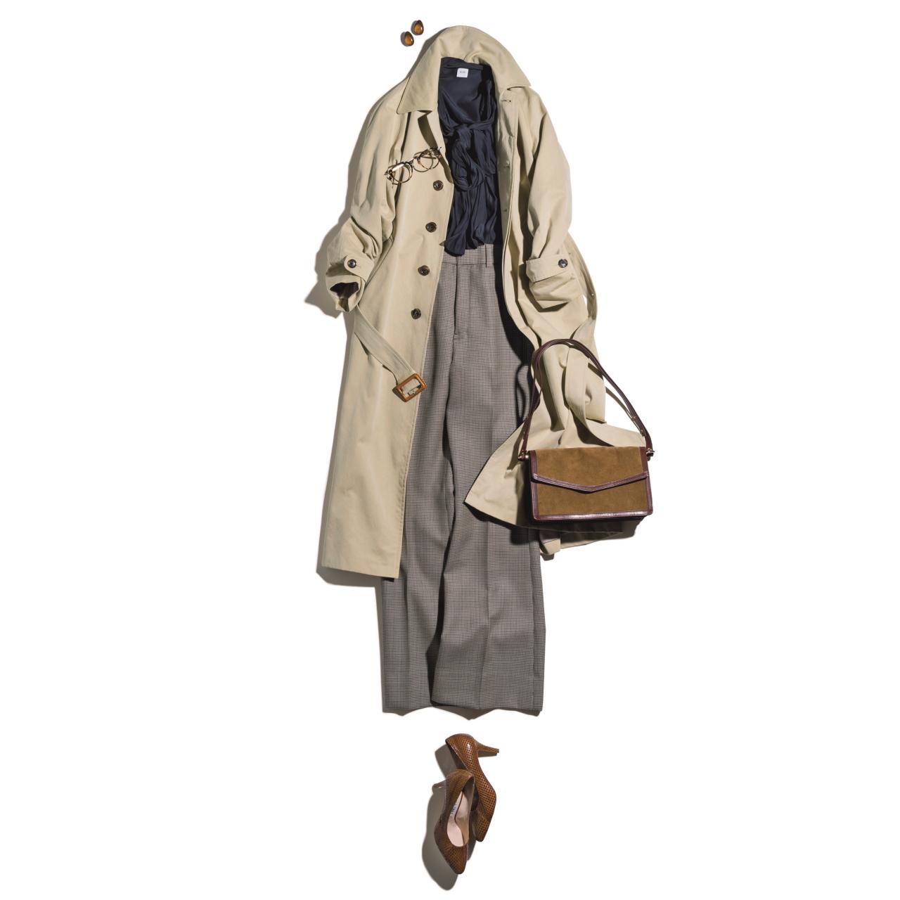 ベージュのトレンチコート×艶ブラウス&パンツのファッションコーデ