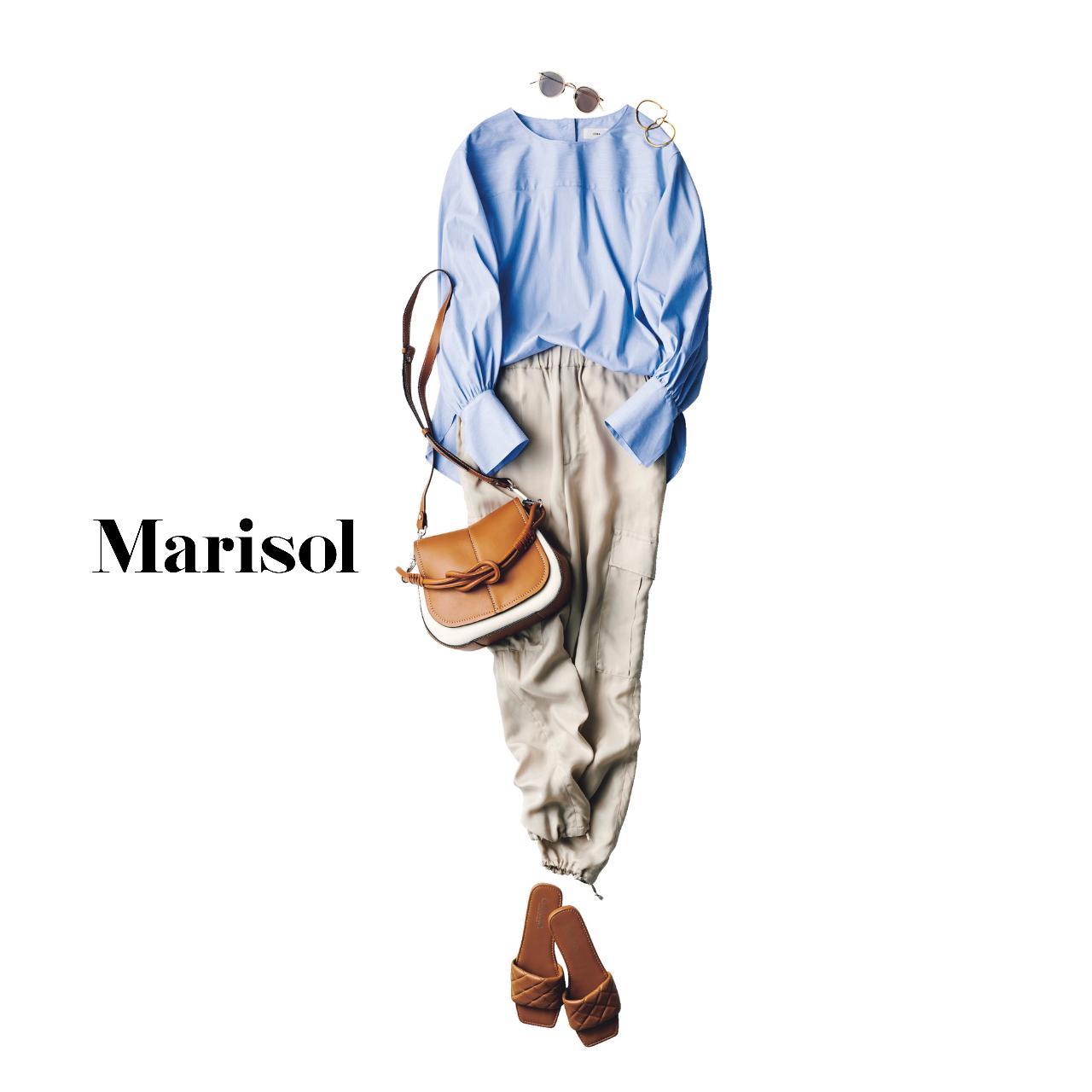 40代ファッション  ブラウス×べージュパンツ コーデ