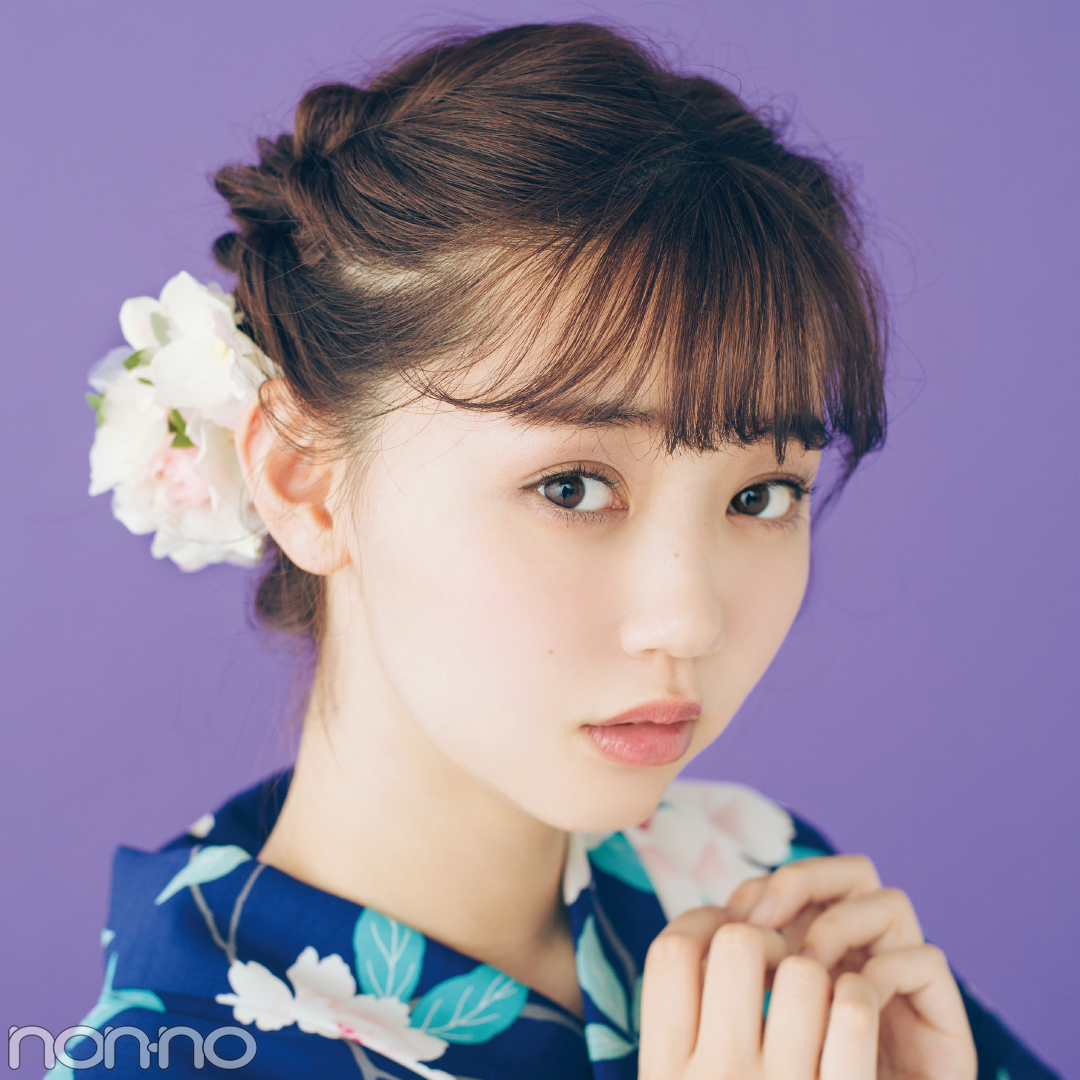 ゆかたの髪型・ミディアムはくるりんぱ&お花小物で華やかに【ゆかたの着付けと髪型】_1_2
