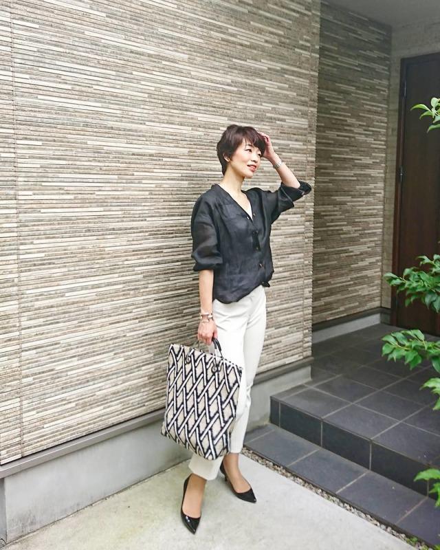 夏の黒は、大人な黒!黒のリネンシャツを素敵に☆_1_4