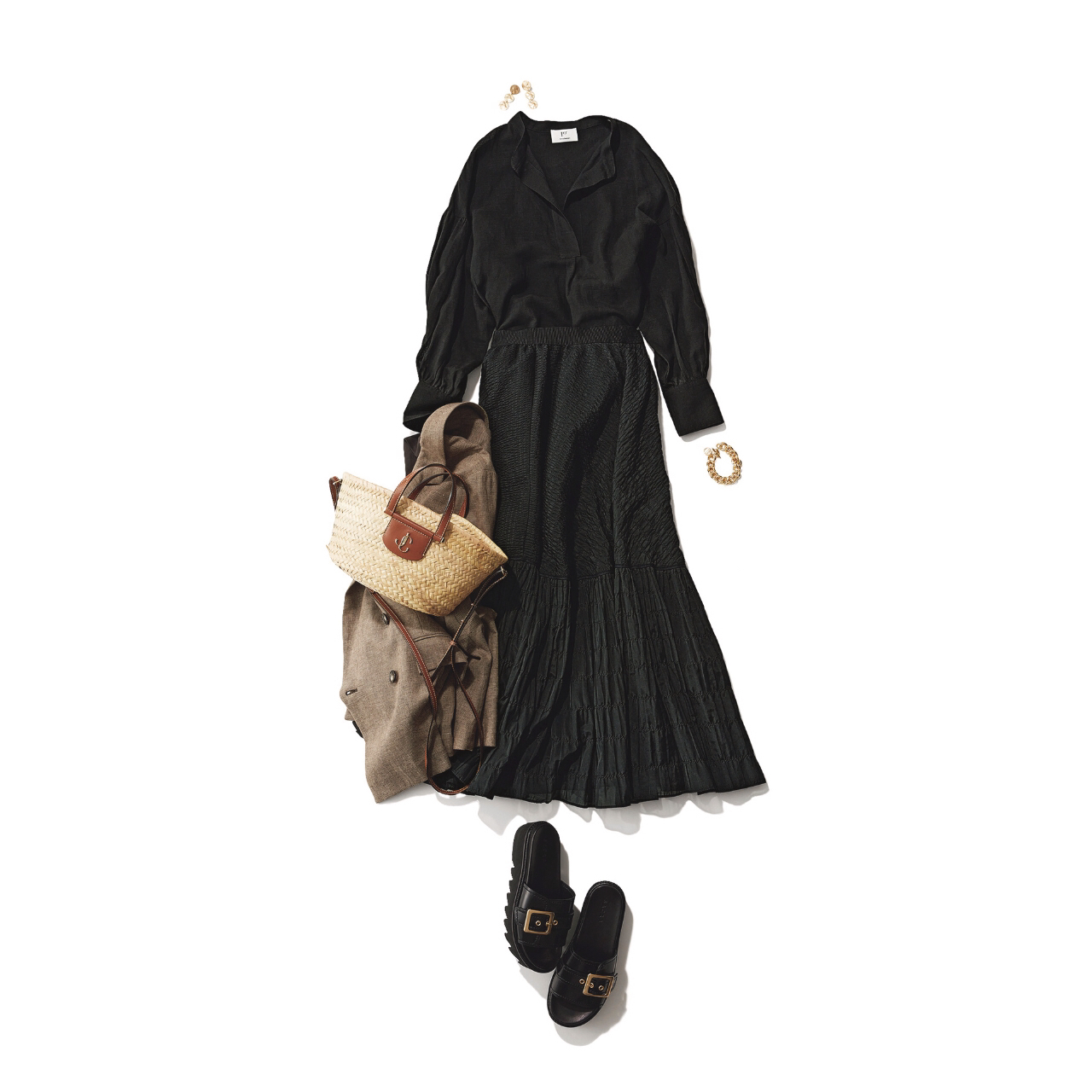 【真夏こそ映える黒コーデ】重たく見えず、シックに決まるアラフォーの黒コーデまとめ|40代ファッション_1_6