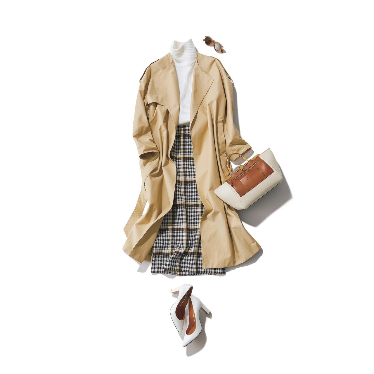 ベージュのトレンチコート×白ニット&チェック柄スカートのファッションコーデ