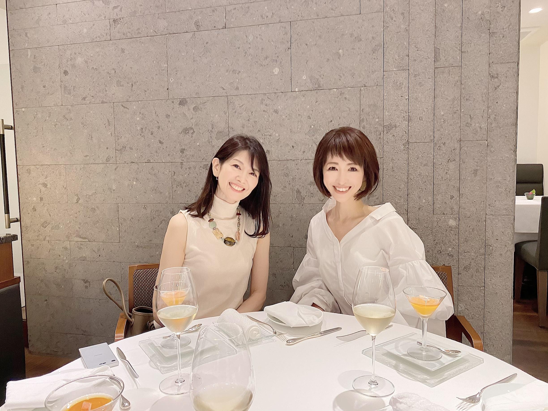デコラティブな白シャツで華組ランチ_1_4